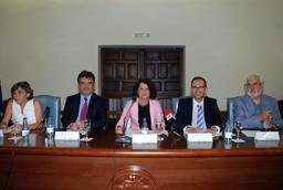 Las vicerrectoras de Investigación y Estudiantes inauguran la 2ª fase del Campus Científico de Verano de la Universidad de Salamanca