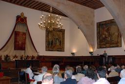 La Universidad de Salamanca concederá el doctorado honoris causa a Emilio Lamo de Espinosa y Salvador Gutiérrez Ordóñez