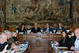 La Universidad de Salamanca presenta en la Fundación Diario Madrid la exposición fotográfica 'Suárez por Suárez'