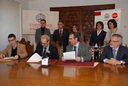 Firma convenio entre la Universidad de Salamanca y los Colegios Profesionales de Farmacéuticos de Castilla y León y Asturias