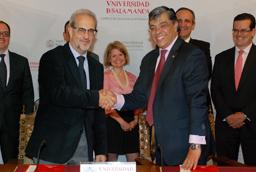 La vicerrectora de Internacionalización preside la inauguración de la Jornada Internacional 'El proceso de paz en Colombia'