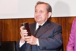 El sacerdote José María Martín Patino recibe el Premio Eduardo Lourenço, instituido por el Centro de Estudios Ibéricos