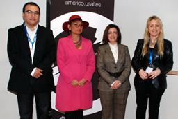 La vicerrectora de Relaciones Internacionales inaugura un seminario sobre la actual situación política de Ecuador