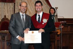 El rector, Daniel Hernández Ruipérez, entrega los Premios Extraordinarios de Doctorado y Grado de la Universidad