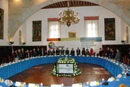 El Consejo de Gobierno aprueba unánimemente una declaración institucional en defensa de la Universidad de Salamanca