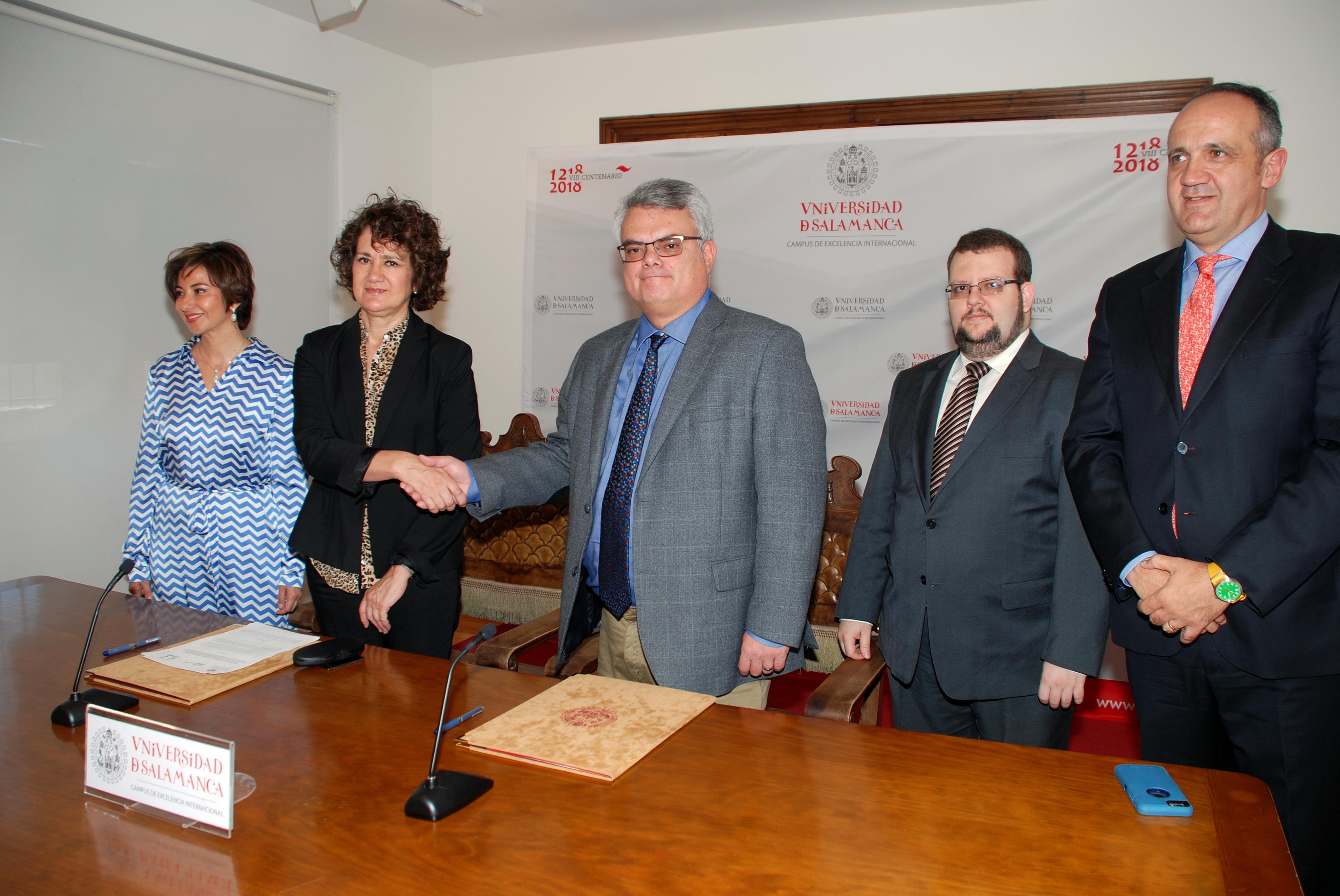 Firma convenio Universidad de Salamanca y COMJIB/IberRed