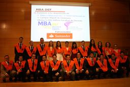 Ricardo López, vicerrector de Economía, clausura la sexta edición del MBA en Dirección de Empresas Familiares de la Universidad de Salamanca