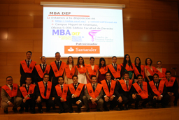 Los vicerrectores de Investigación y de Atención al Estudiante y Extensión Universitaria clausuran el primer turno de los Campus Científicos de Verano 2014