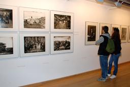 La Universidad de Salamanca muestra un extraordinario retrato de la sociedad peruana de la pasada centuria en la exposición 'Memorial. Fotografía, memoria y archivo en el Perú del siglo XX'