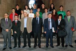 El rector entrega los diplomas a los ganadores de la fase local de Castilla y León de la cincuenta Olimpiada Matemática