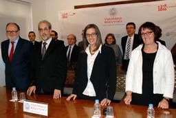 La vicerrectora de Internacionalización, Mª Ángeles Serrano, presenta al nuevo director del Centro Cultural Hispano Japonés de la Universidad de Salamanca, José Abel Flores