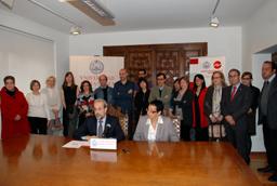 El rector, Daniel Hernández Ruipérez, destaca la firme apuesta por la calidad realizada por el servicio en la docencia y la gestión