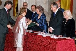 La escritora malagueña María Victoria Atencia recibe emocionada el XXIII Premio Reina Sofía de Poesía Iberoamericana