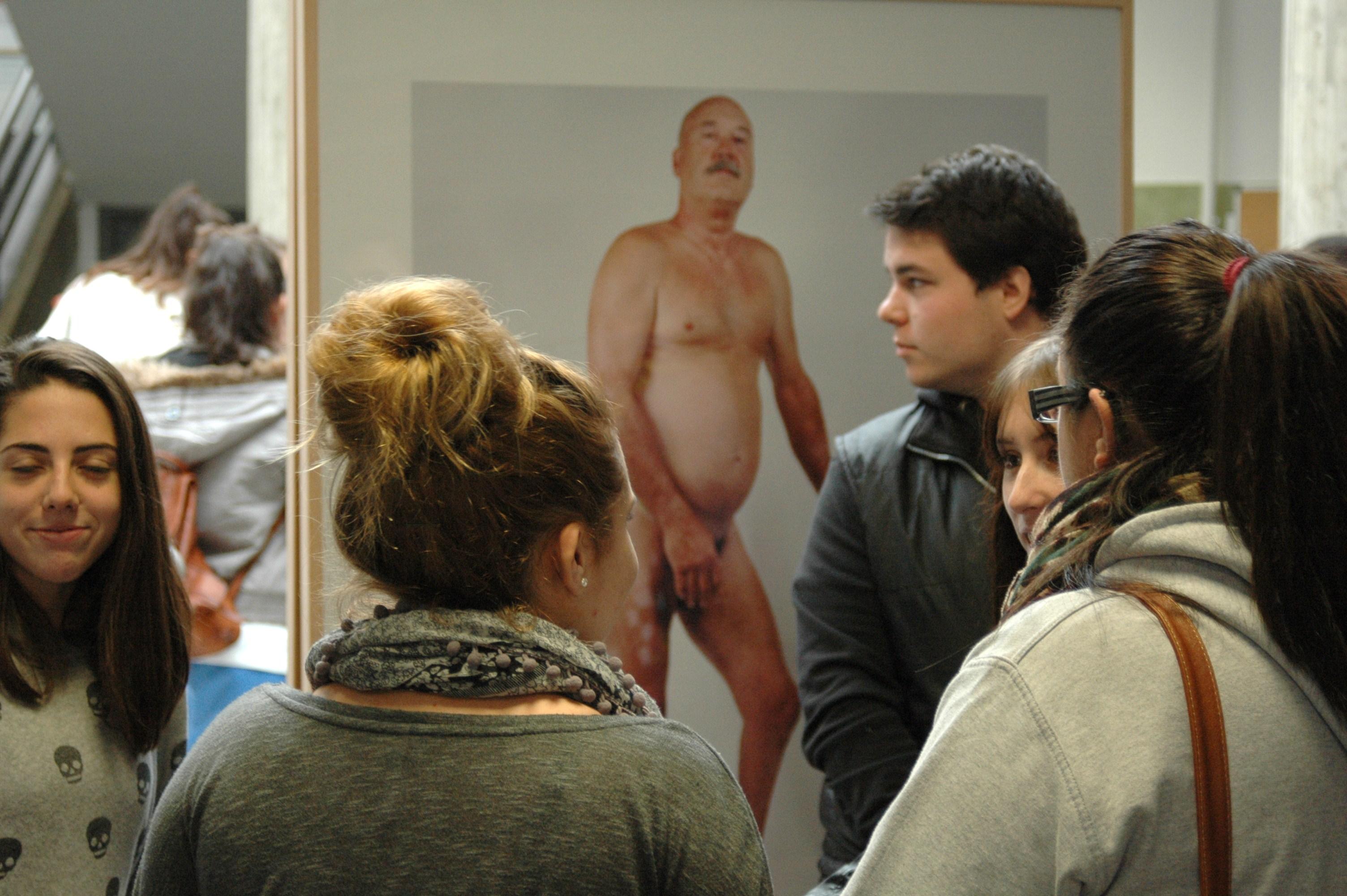 La Universidad de León acoge la exposición sobre la poliomielitis en la Península Ibérica, del investigador de la Usal Juan Antonio Rodríguez Sánchez y el fotógrafo Bernat Millet