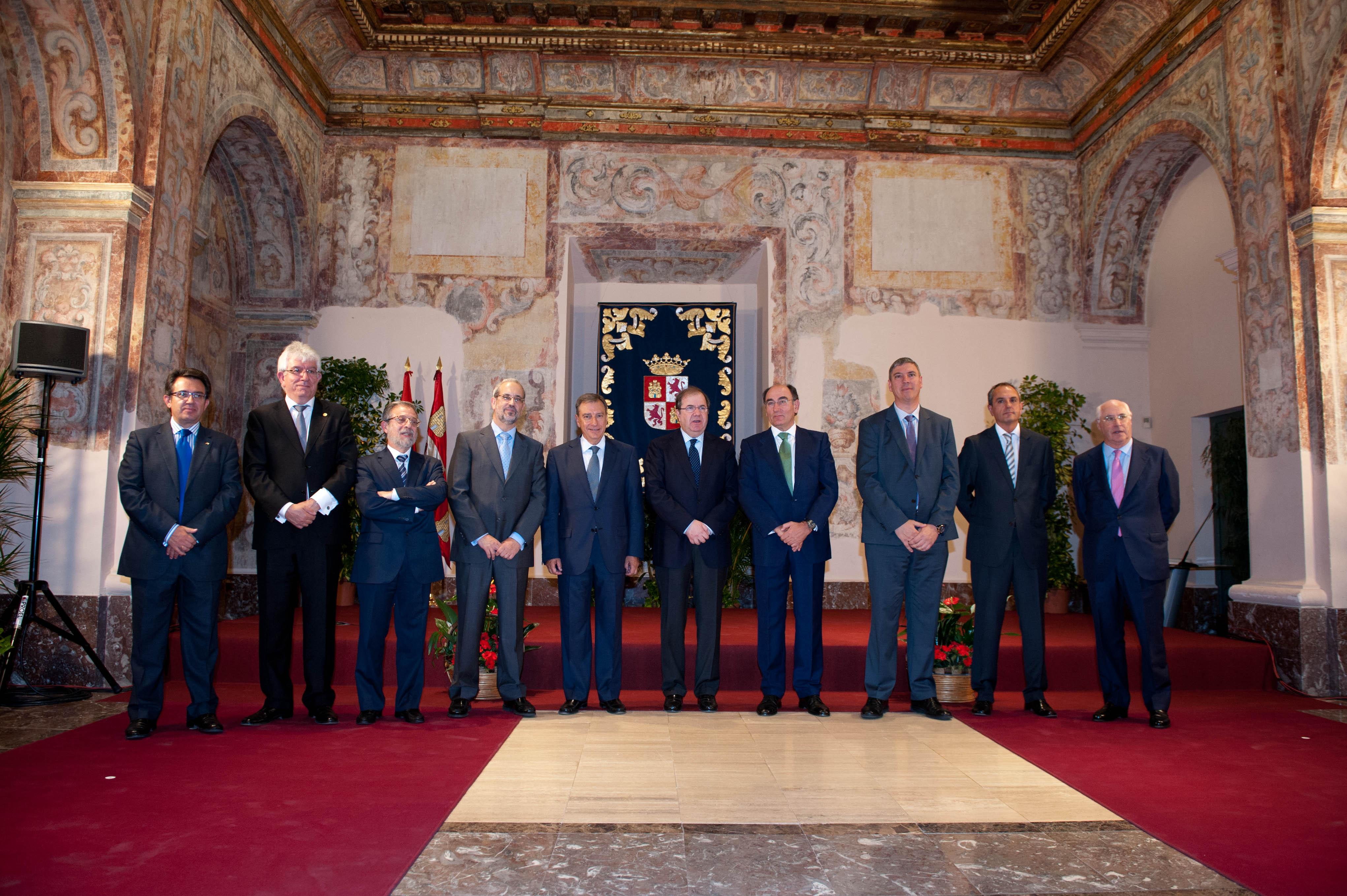 El rector asiste a la toma de posesión del nuevo presidente del Consejo Social de la Universidad de Salamanca