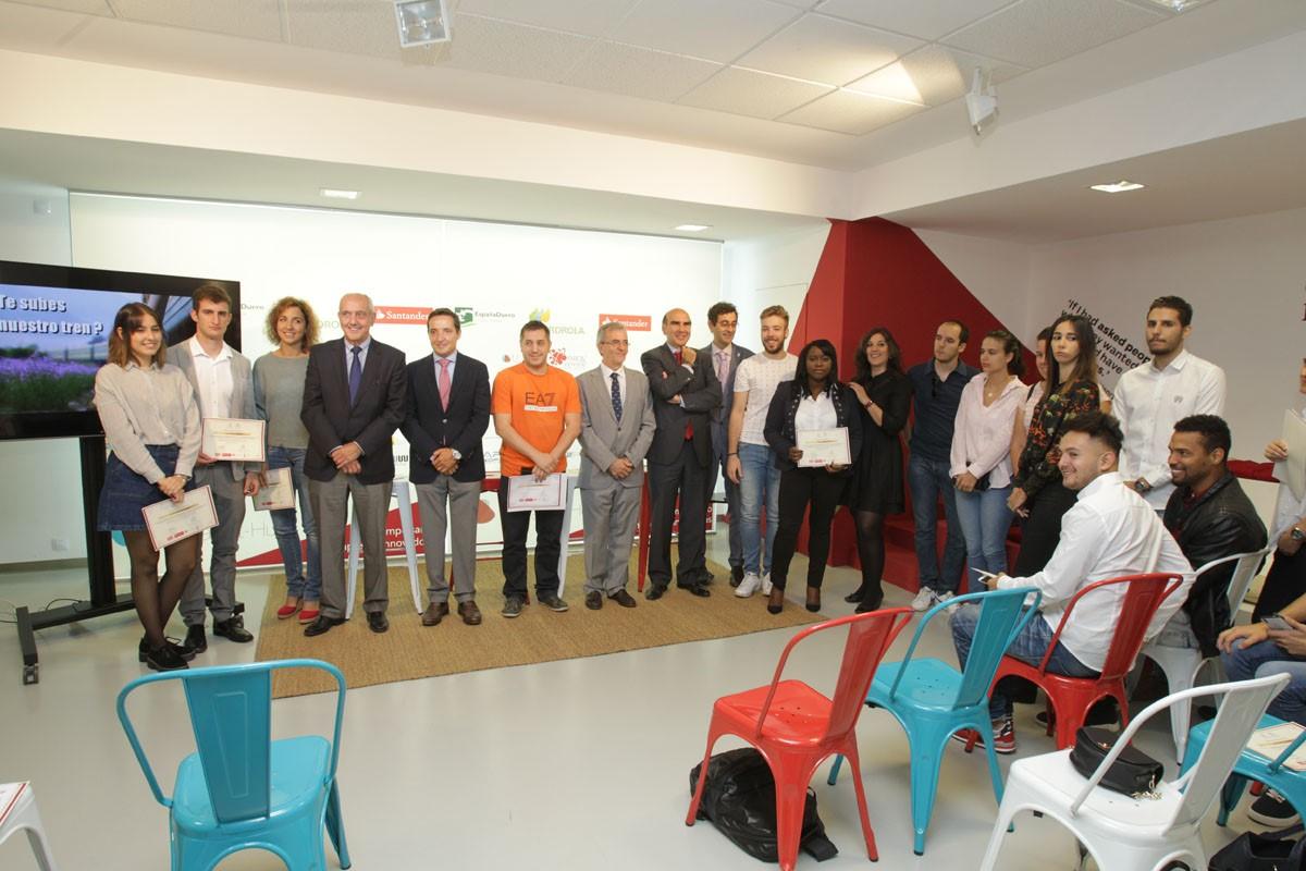 El vicerrector de Investigación y Transferencia entrega los premios USAL Emprende y Cátedra de Emprendedores Universidad de Salamanca CEUSAL