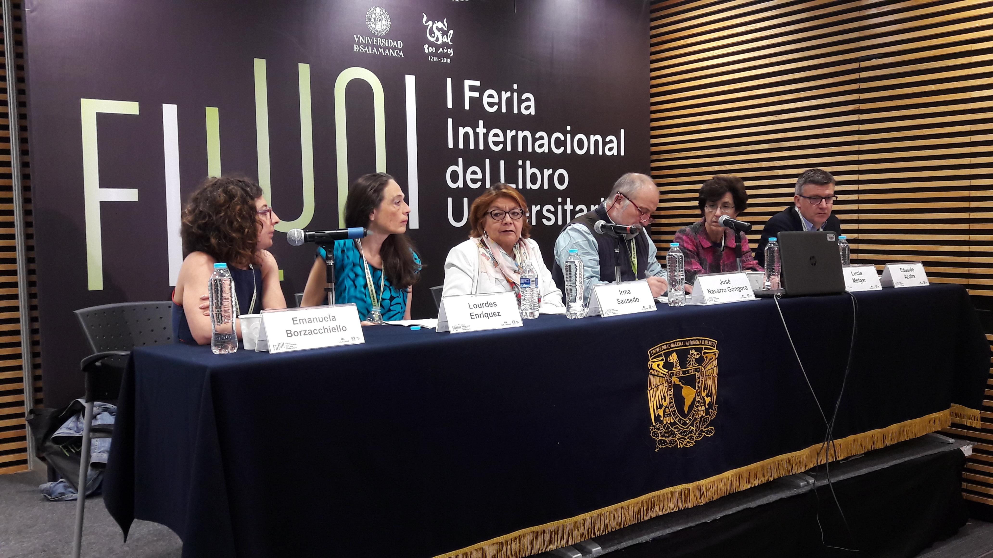Mesa redonda sobre violencia de género.
