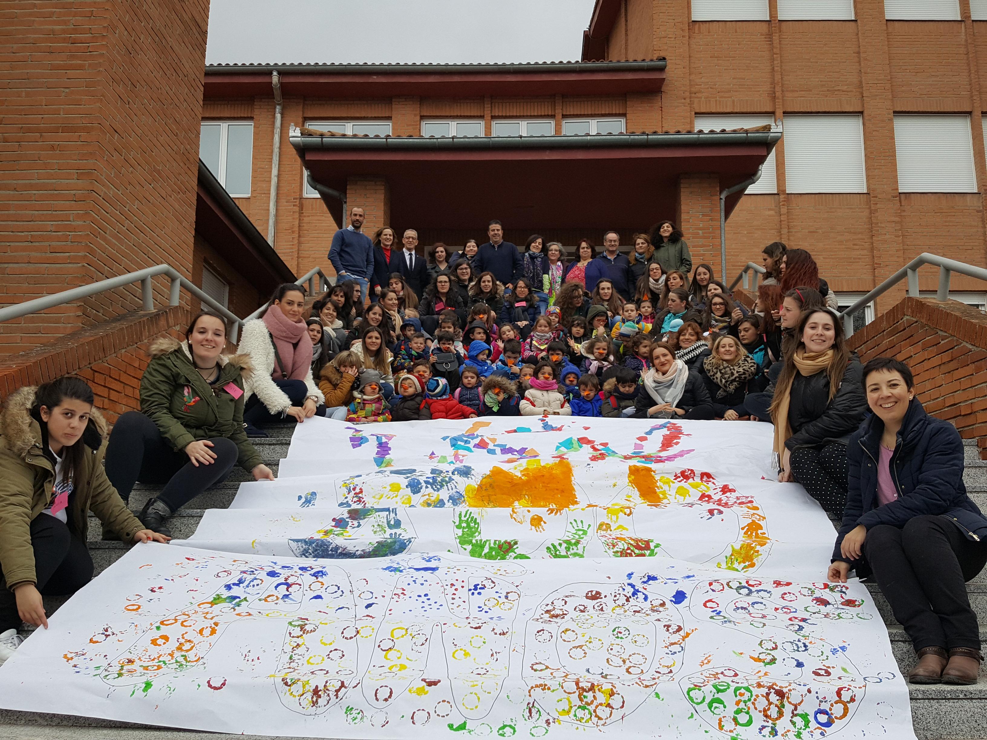 Los escolares del CEIP Santa Ana de Ávila celebran el VIII Centenario de la Universidad de Salamanca