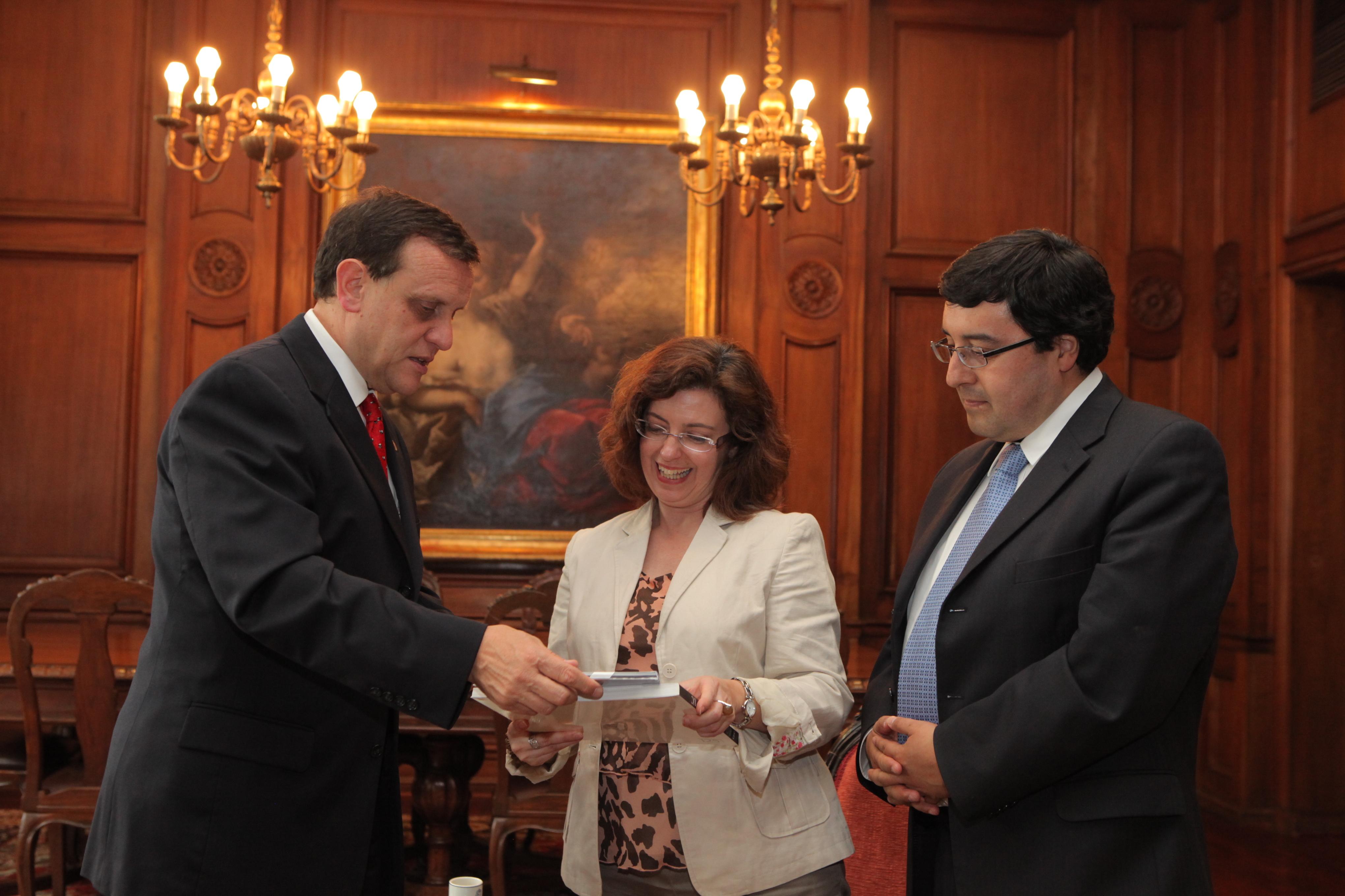 Las universidades de Salamanca y Católica de Chile impulsan los programas de intercambio de profesores y estudiantes