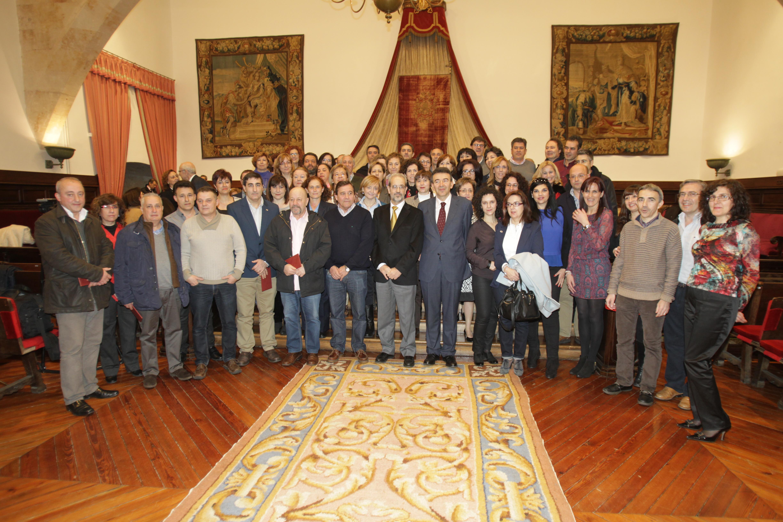 La Universidad de Salamanca entrega sus distinciones a un total de 160 miembros del Personal de Administración y Servicios