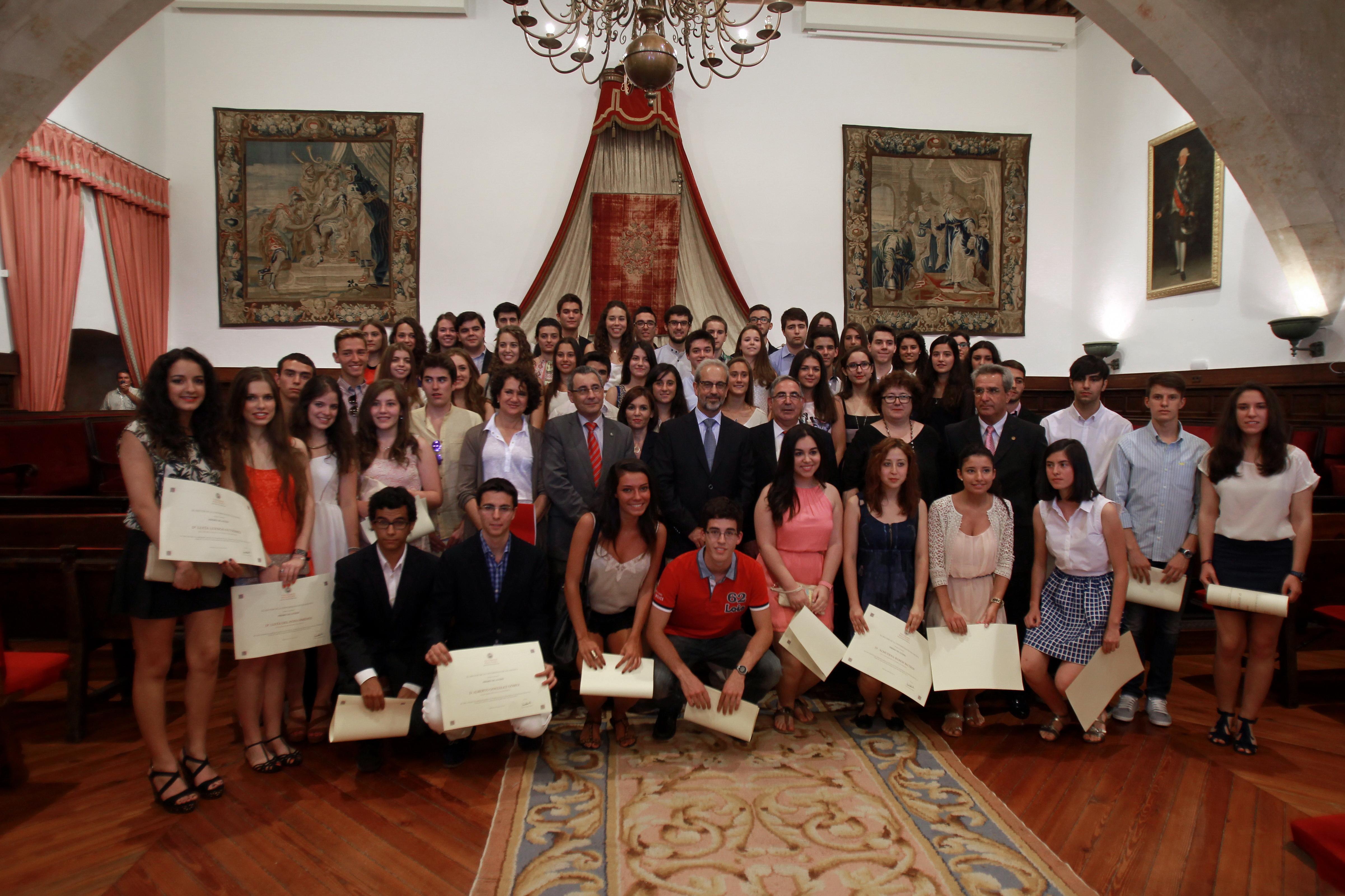 El rector entrega los Premios Acceso 2014 a los mejores estudiantes de Selectividad en la convocatoria de junio