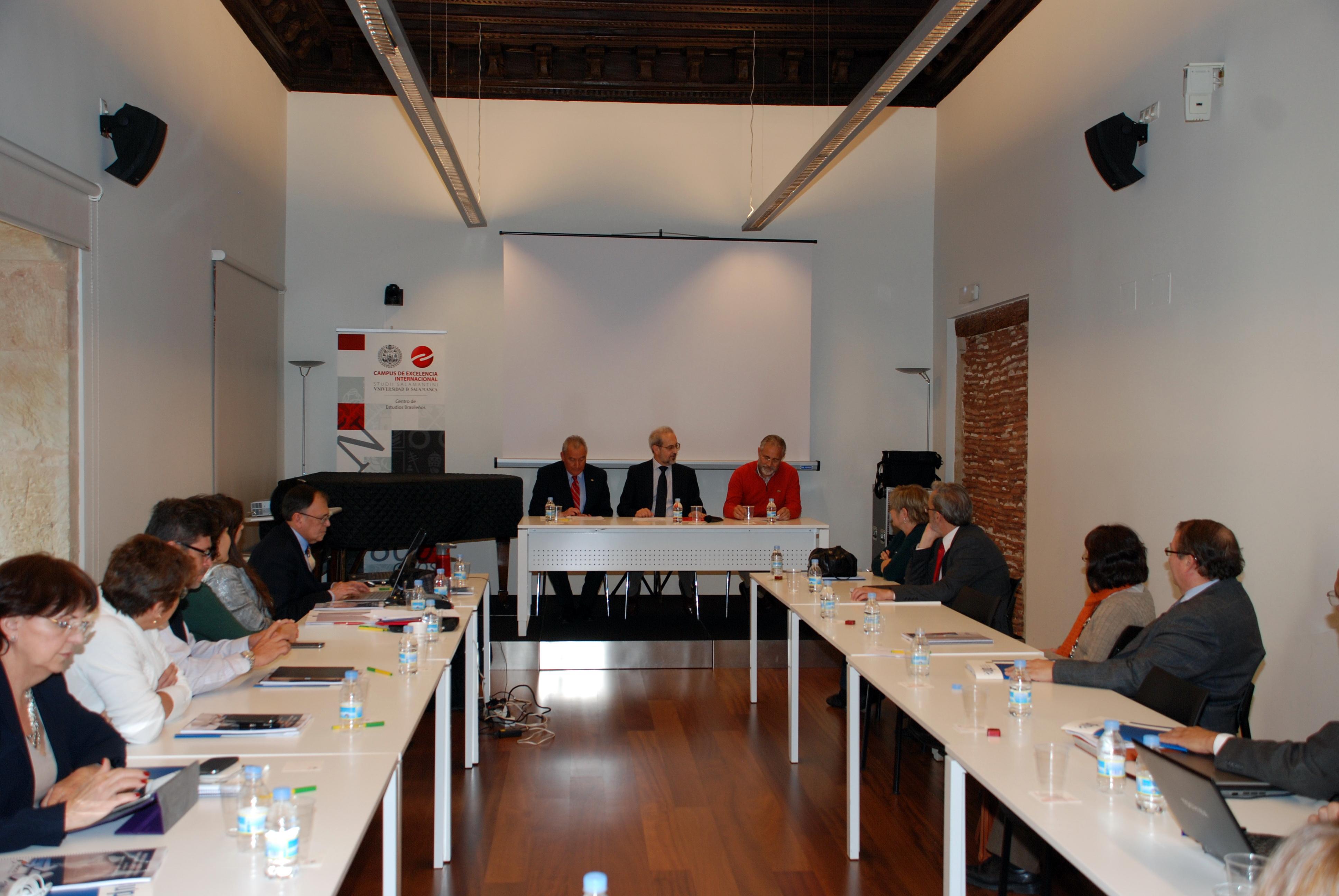 El rector, Daniel Hernández Ruipérez, clausura la III Reunión Internacional de la Asociación Universitaria Iberoamericana de Posgrado (AUIP)