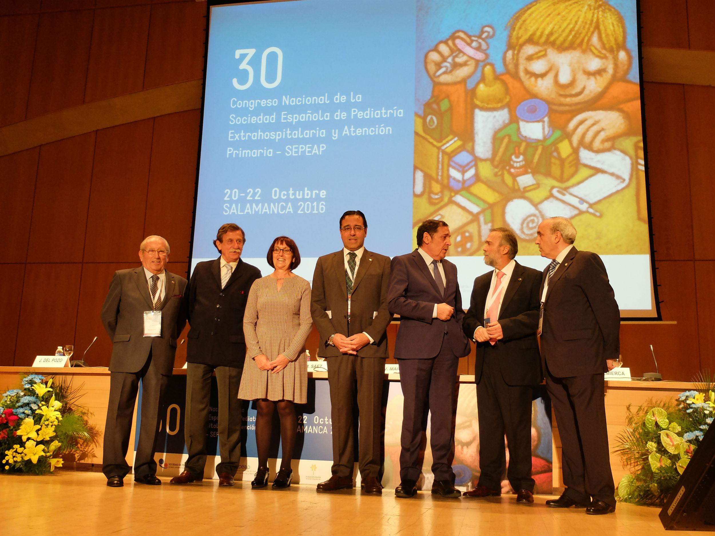 La vicerrectora de Ordenación Académica y Profesorado asiste a la inauguración  del 30º Congreso Nacional de la Sociedad Española de Pediatría Extrahospitalaria y Atención Primaria