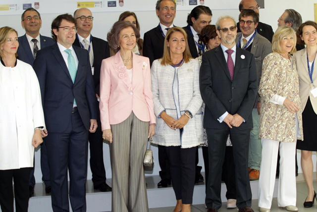 S.M. la Reina doña Sofía inaugura el IV Simposio Internacional 'Avances en la Investigación Socio-Sanitaria en la Enfermedad de Alzheimer'