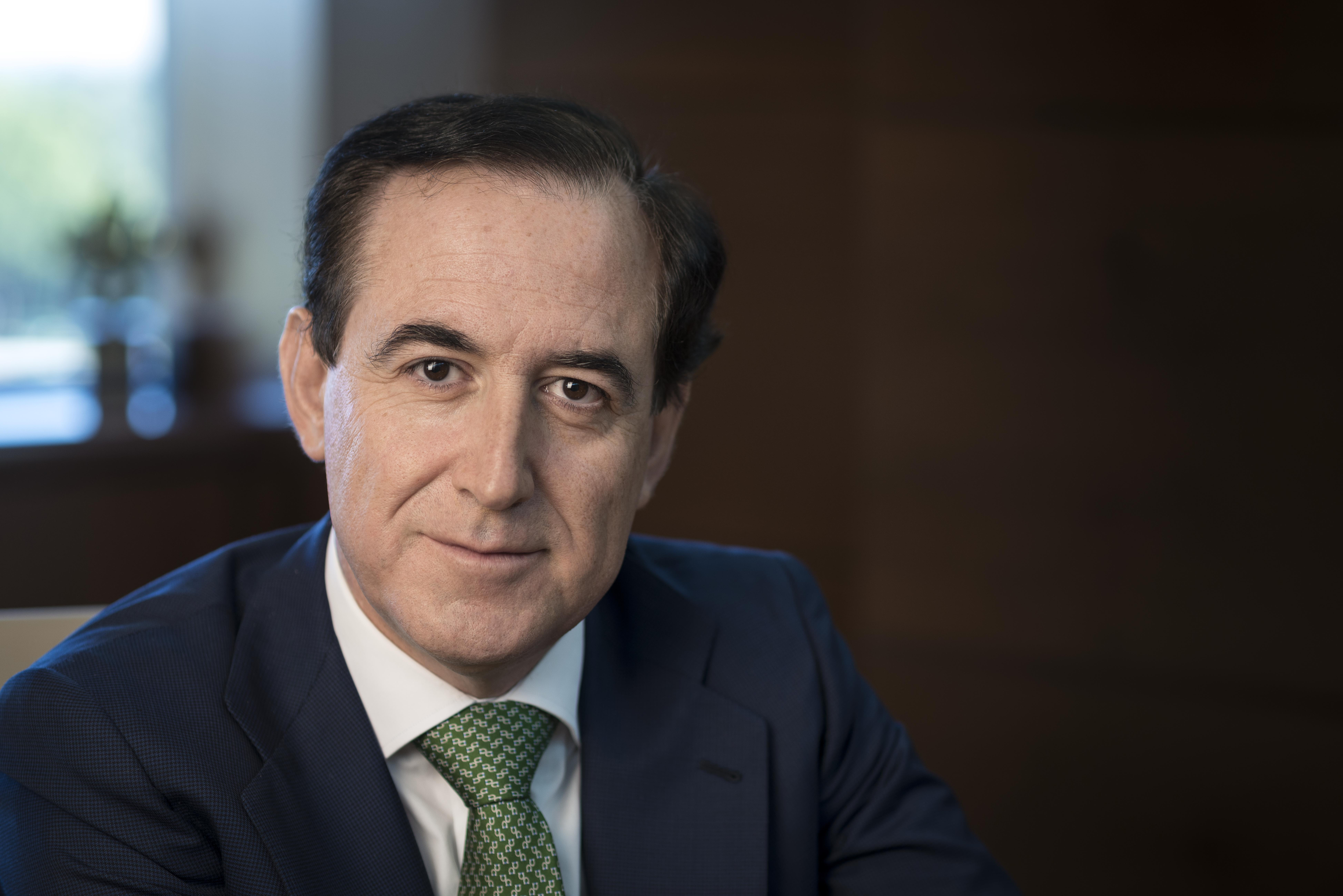 Antonio Huertas, nuevo presidente de Alumni-Universidad de Salamanca