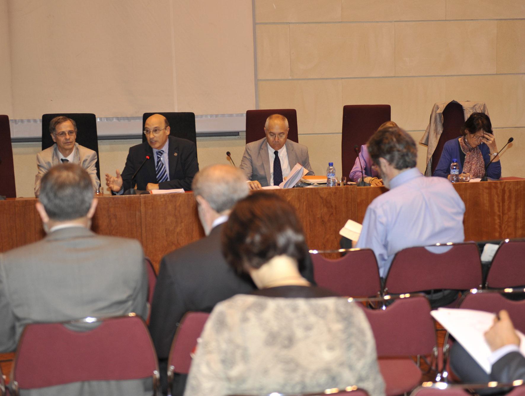 El rector presenta el proyecto del VIII Centenario la Universidad de Salamanca en la Asamblea General de la CRUE