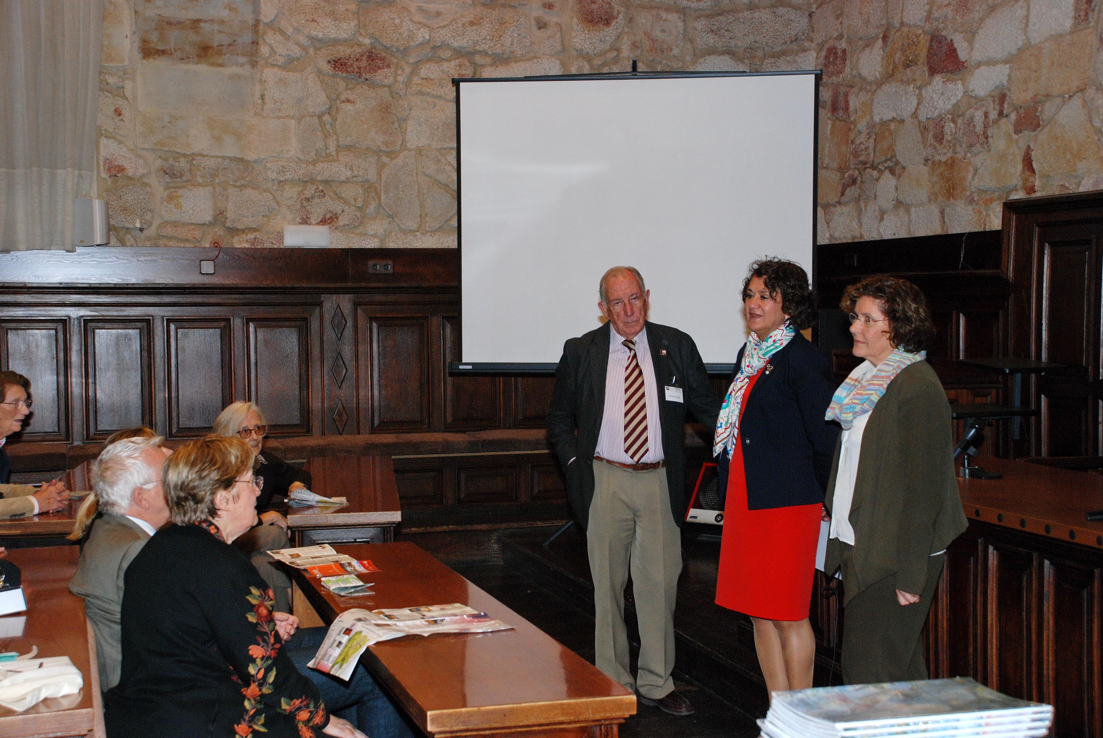 Representantes de la Asociación Internacional de Bibliofilia visita la Universidad de Salamanca