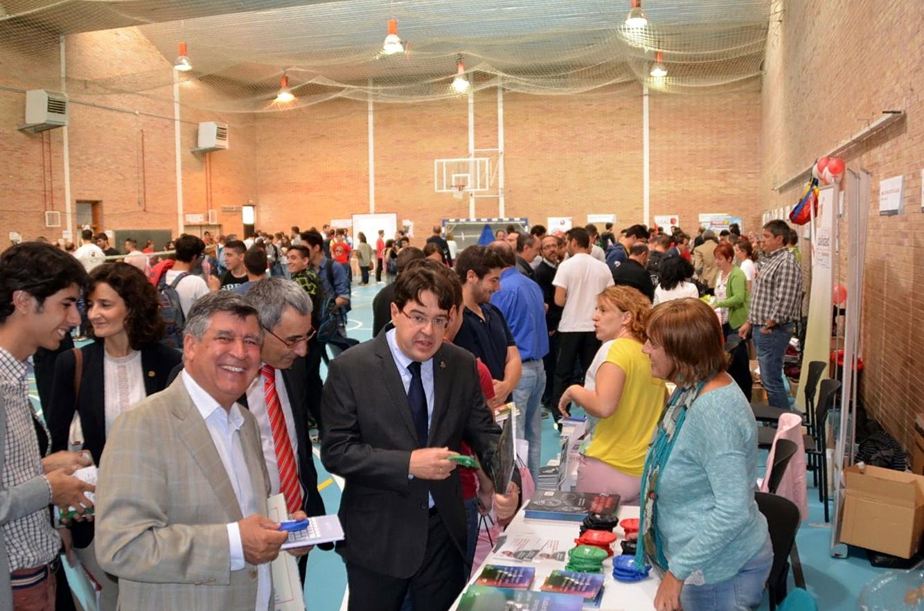 El Campus de Béjar acoge por primera vez la Feria de Bienvenida de la Universidad de Salamanca