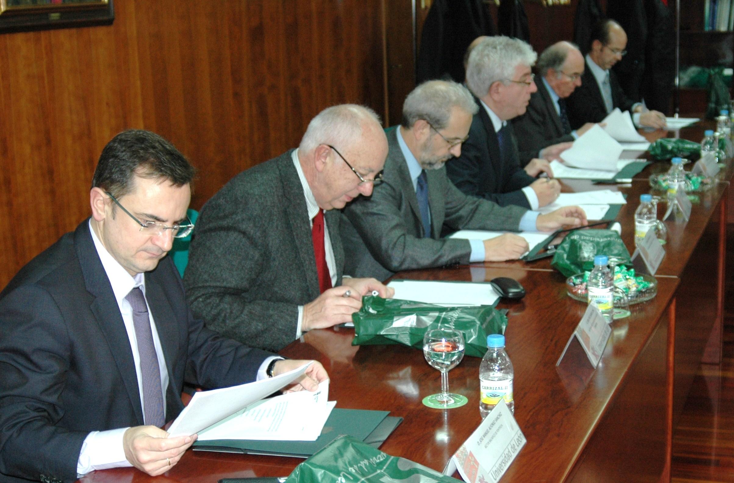 El rector de la Universidad de Salamanca asiste a la constitución de la Conferencia de Rectores de las Universidades del Suroeste de Europa