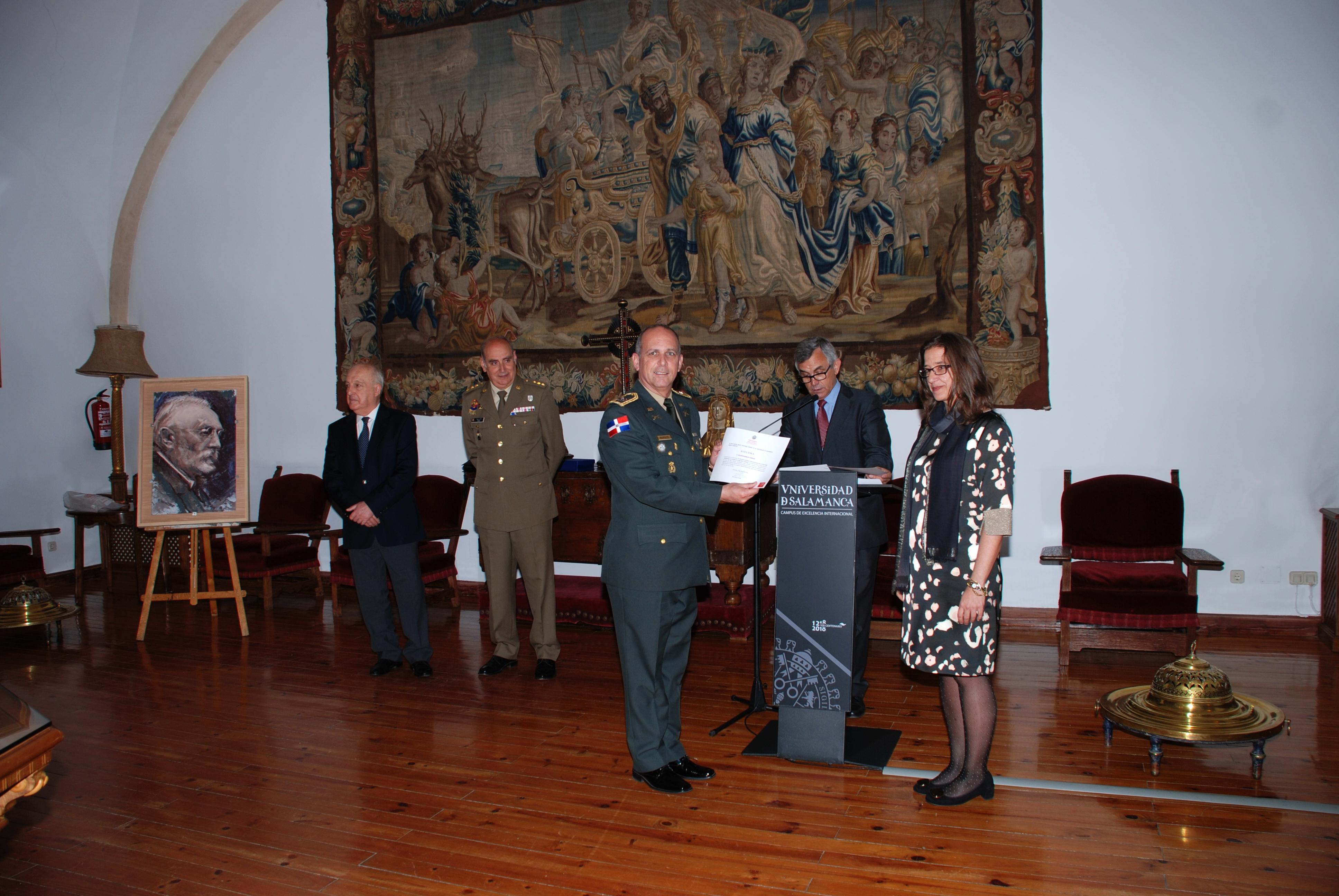 La secretaria general preside el acto de entrega de diplomas del XV Curso de Altos Estudios Estratégicos para Oficiales Superiores Iberoamericanos