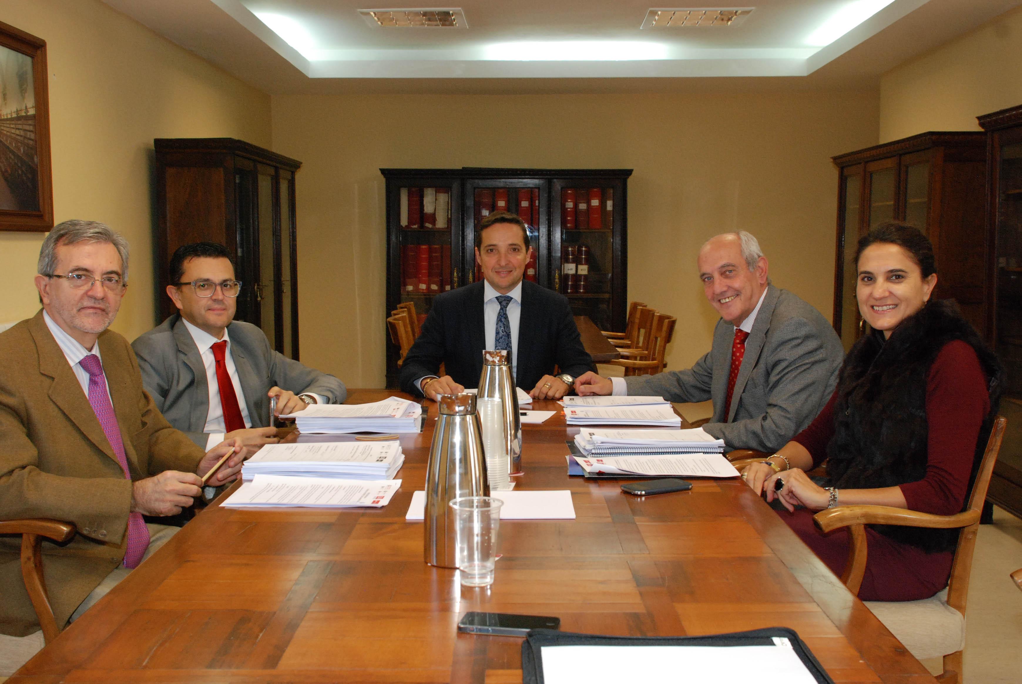 La Cátedra de Emprendedores de la Universidad de Salamanca falla los premios 'Usal Emprende 2015'