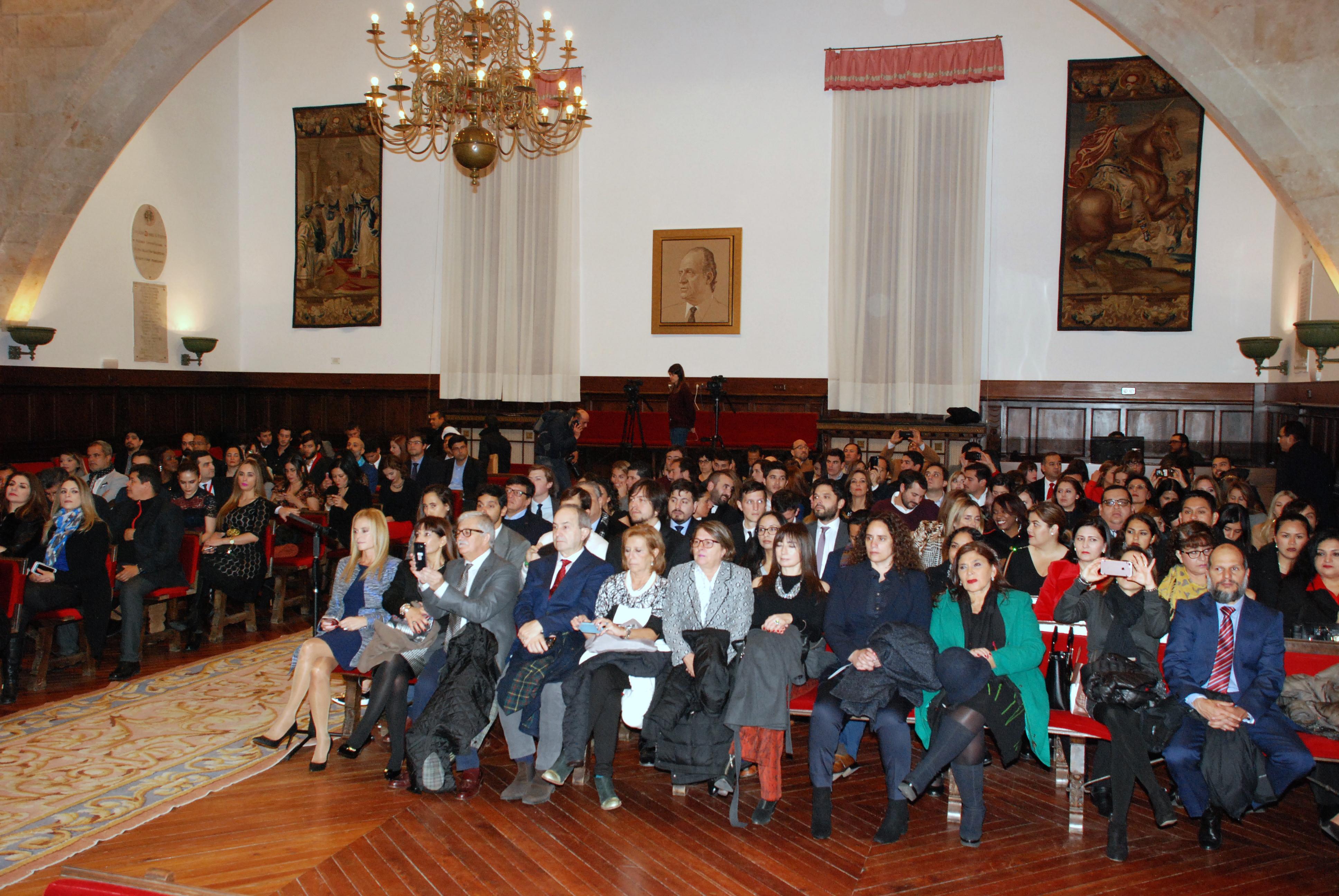 La vicerrectora de Internacionalización clausura la 40ª edición de los Cursos de Especialización en Derecho de la Universidad de Salamanca