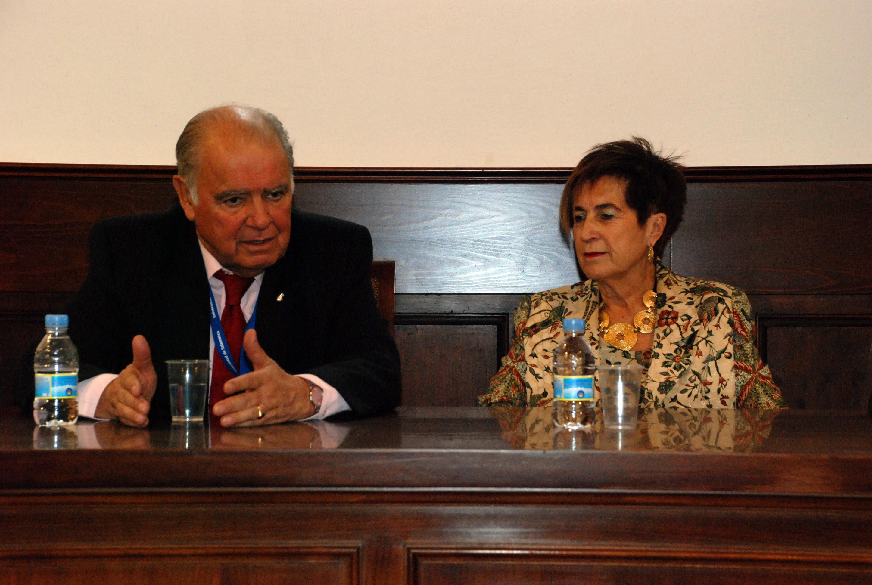 La Asociación de Antiguos Alumnos de la Universidad de Salamanca mantiene un encuentro con Enrique Iglesias