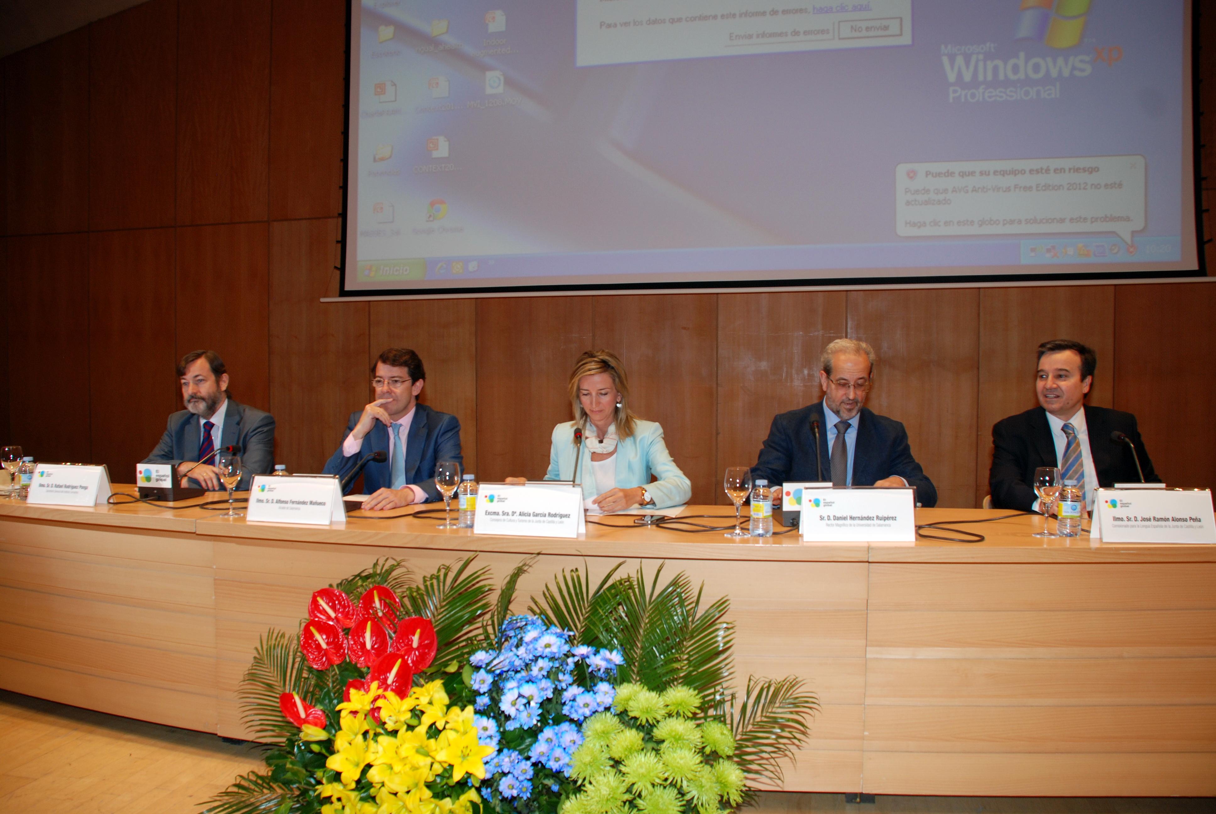 El rector y la vicerrectora de Relaciones Internacionales asisten a la inauguración del III Congreso Internacional del Español