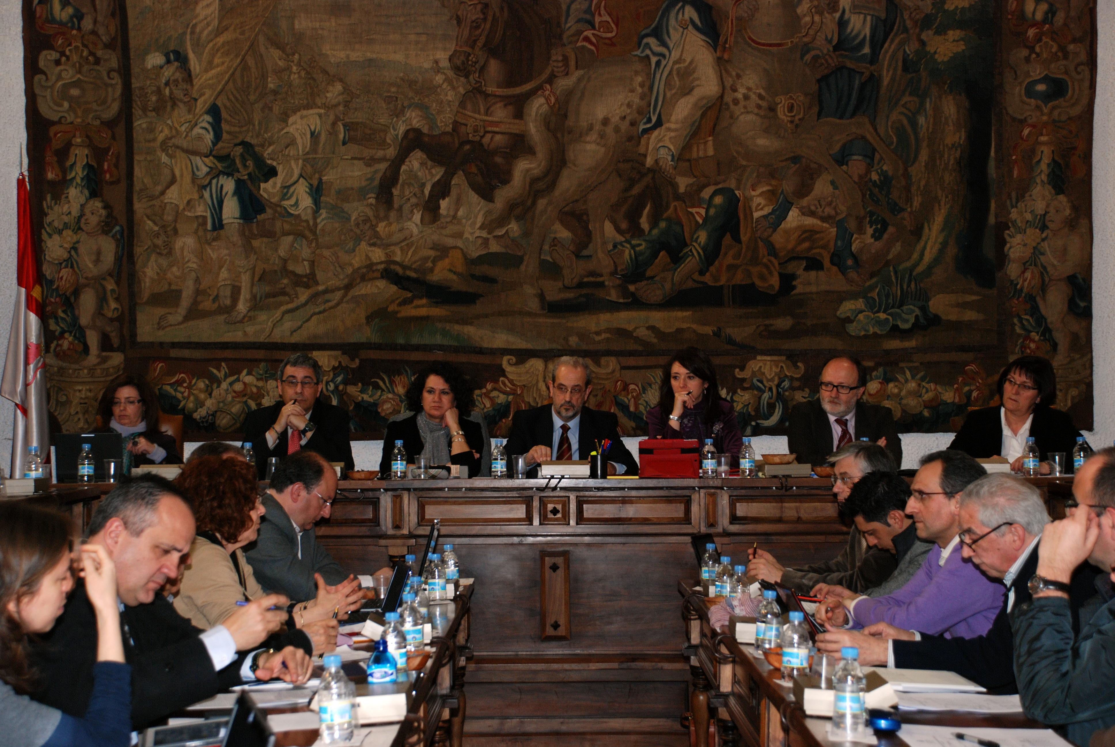 La Universidad de Salamanca aprueba la propuesta de doctores honoris causa para Su Alteza Imperial el Príncipe Heredero de Japón, Plácido Domingo y Francisco Muñoz Conde