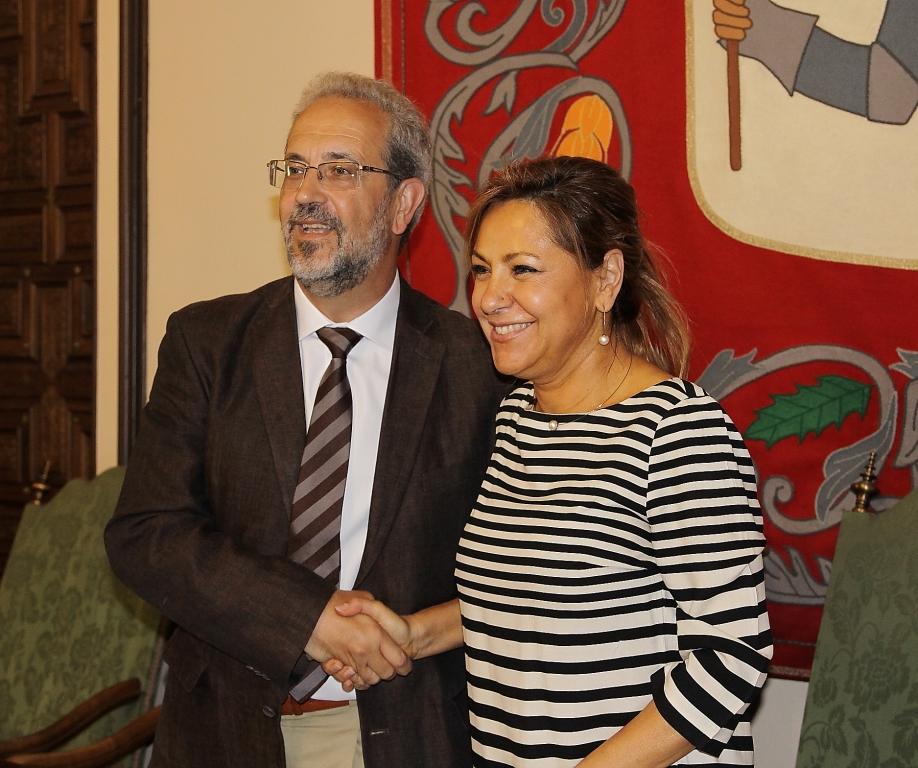 La Universidad de Salamanca y el Ayuntamiento de Zamora suscriben el convenio de cesión de terrenos para la Escuela de Enfermería