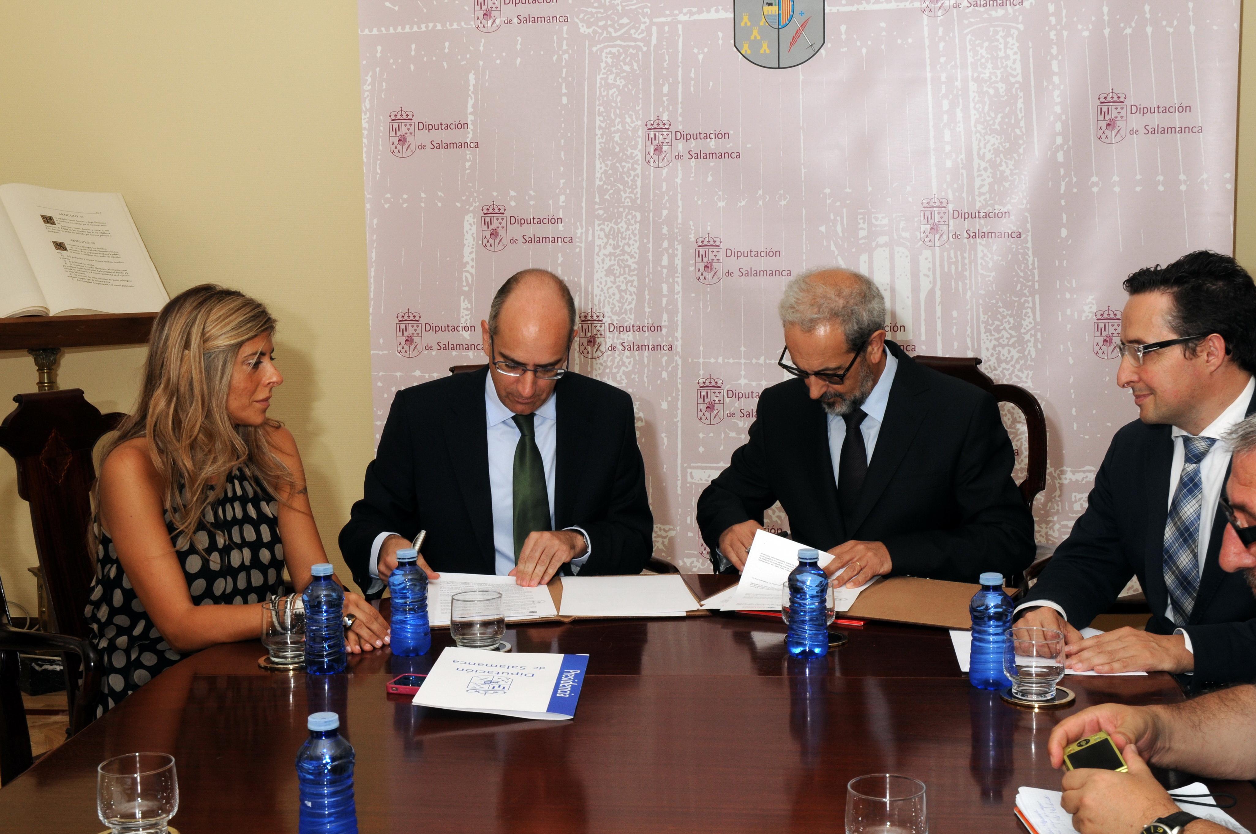 Universidad y Diputación suscriben un acuerdo para impulsar actividades conjuntas en la Feria Agropecuaria 'Salamaq 2014'