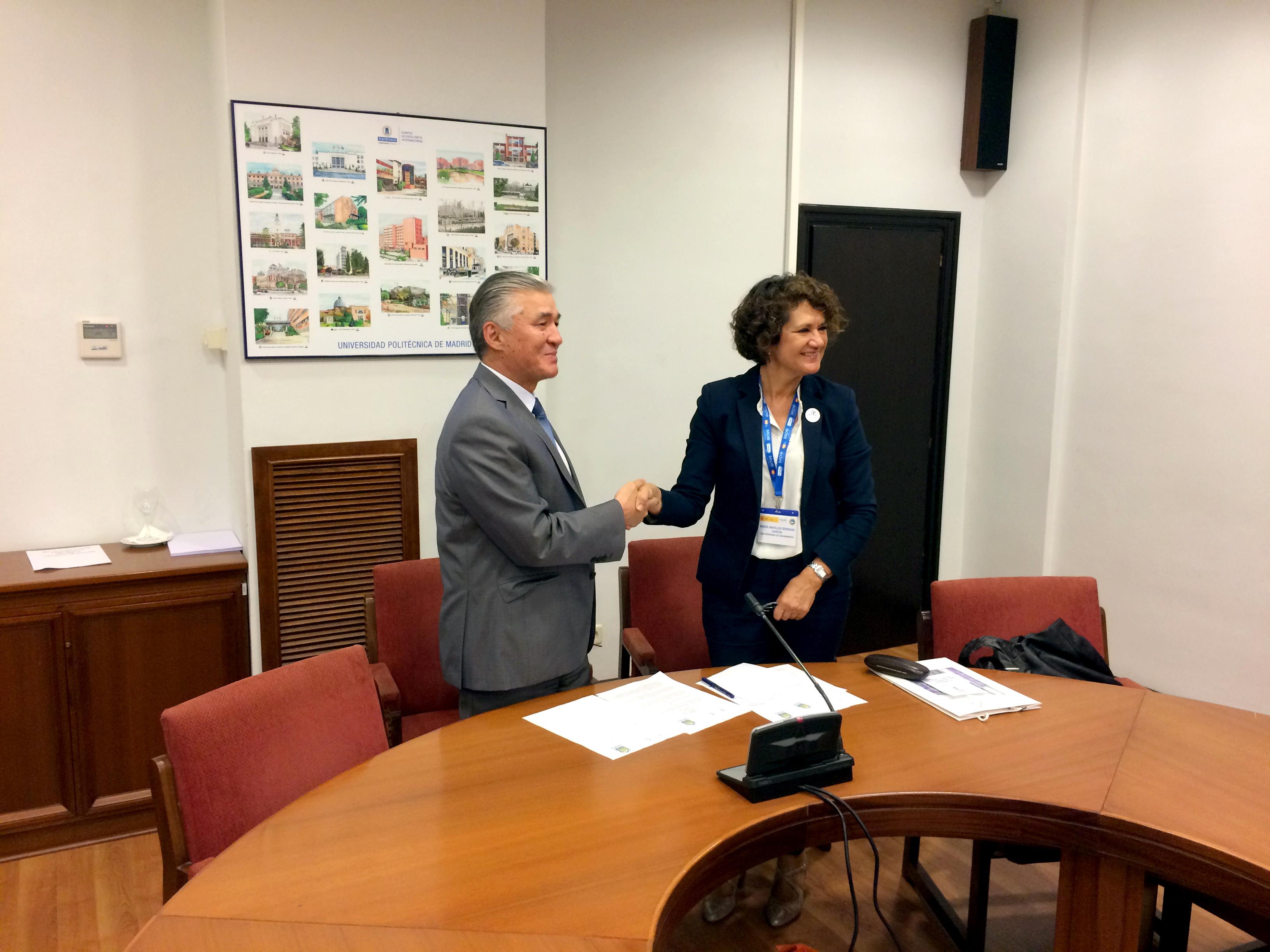 La Universidad de Salamanca suscribe dos convenios de colaboración con universidades de Kazajstán