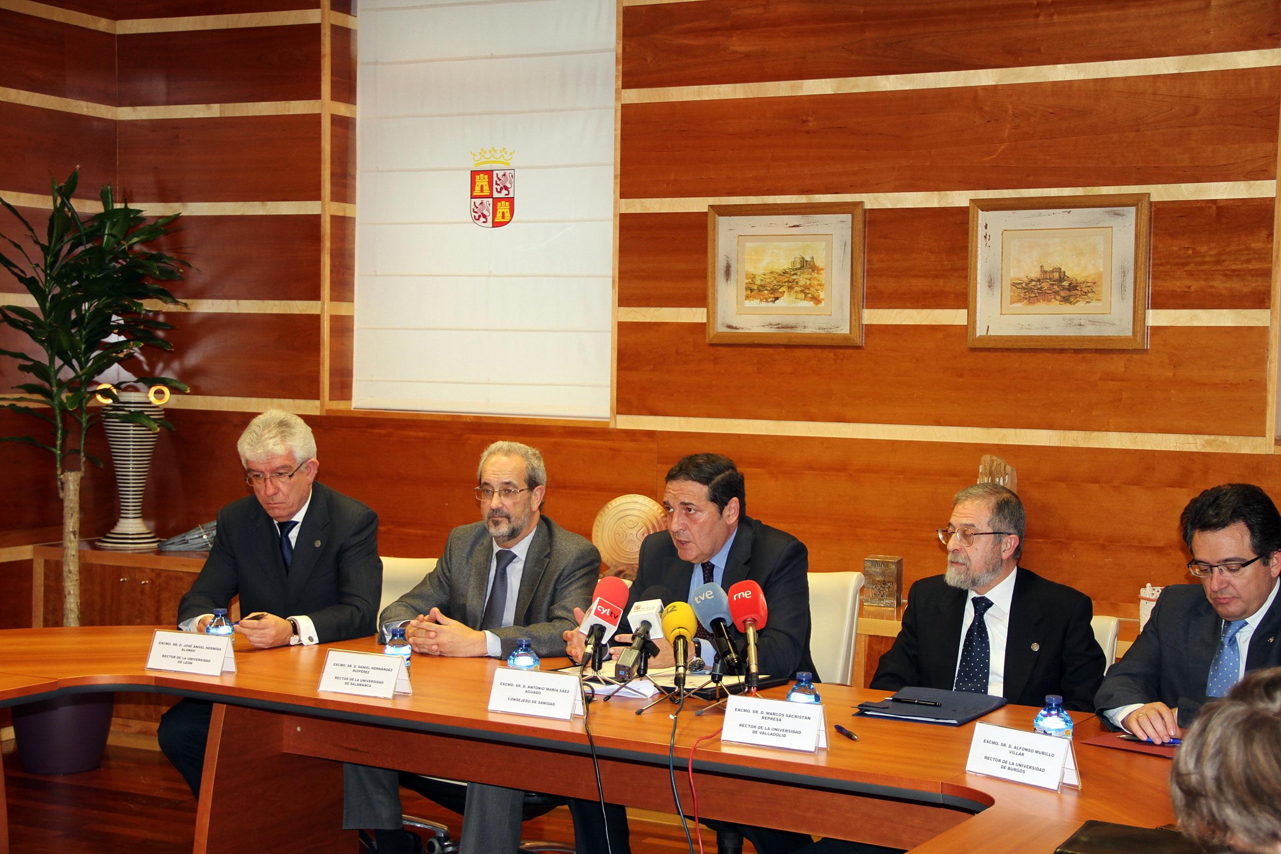 Las cuatro universidades públicas de Castilla y León y la Consejería de Sanidad regulan las prácticas en los centros sanitarios