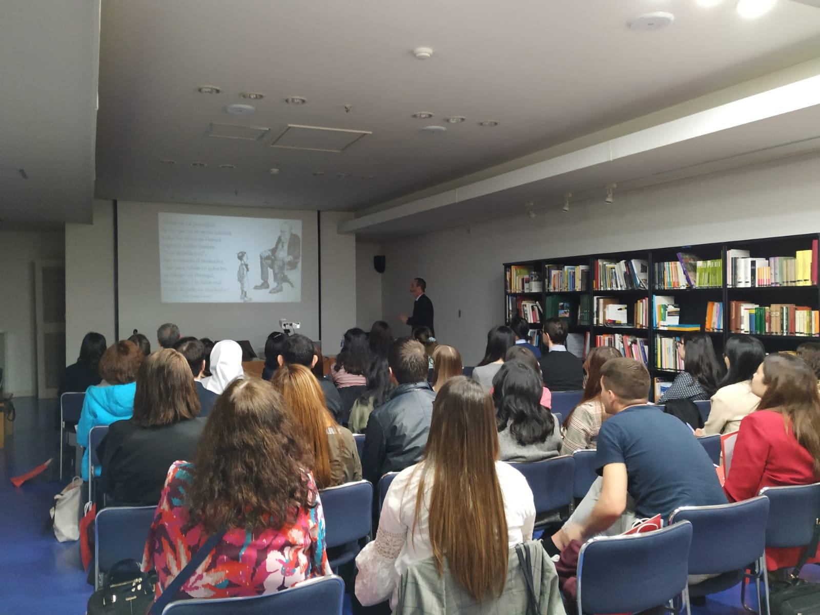 El director del Centro Internacional del Español inaugura en Seúl la I Jornada de formación de profesores de ELE en Corea del Sur