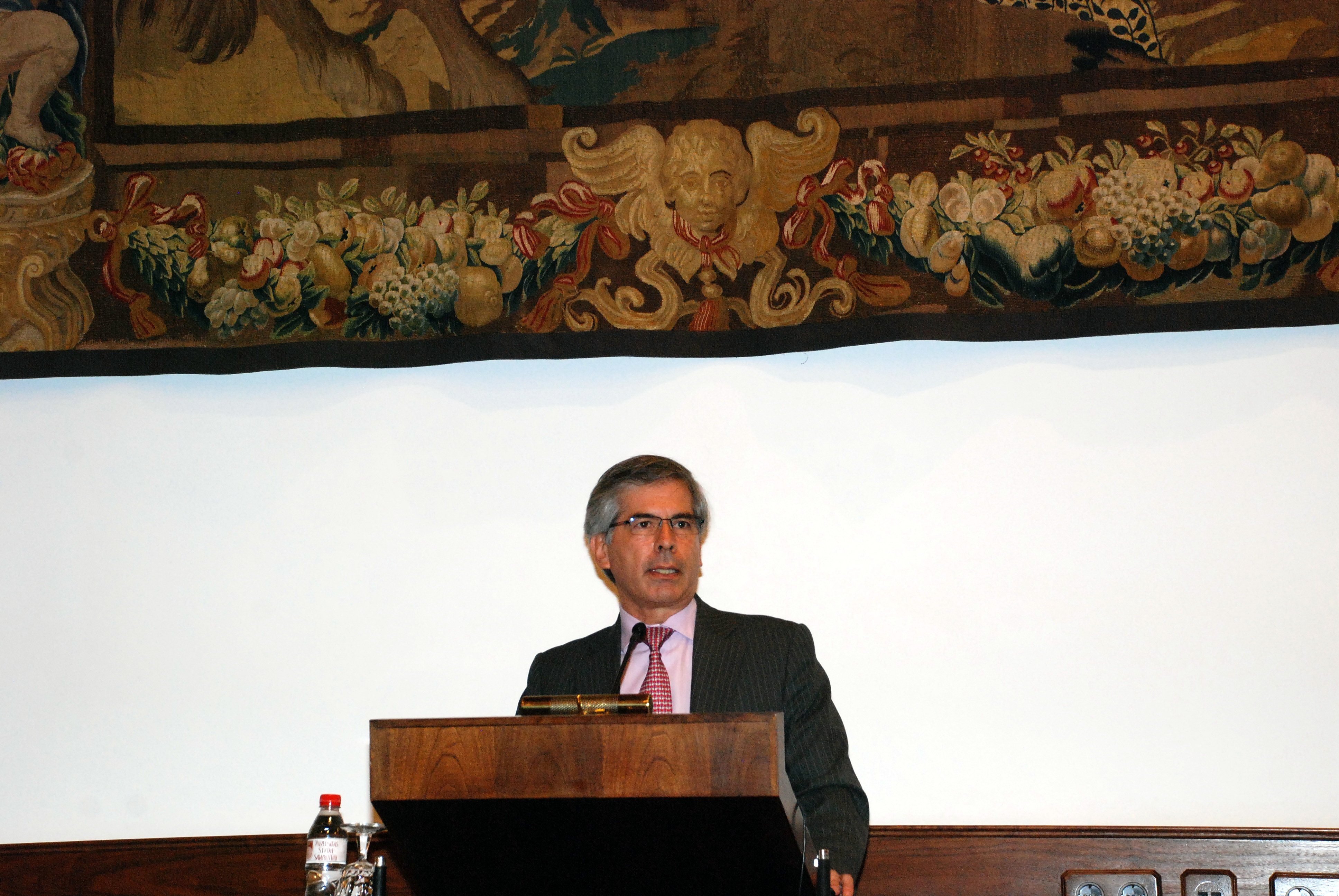 El ministro de Justicia de Colombia inaugura los 38 Cursos de Especialización en Derecho de la Universidad de Salamanca