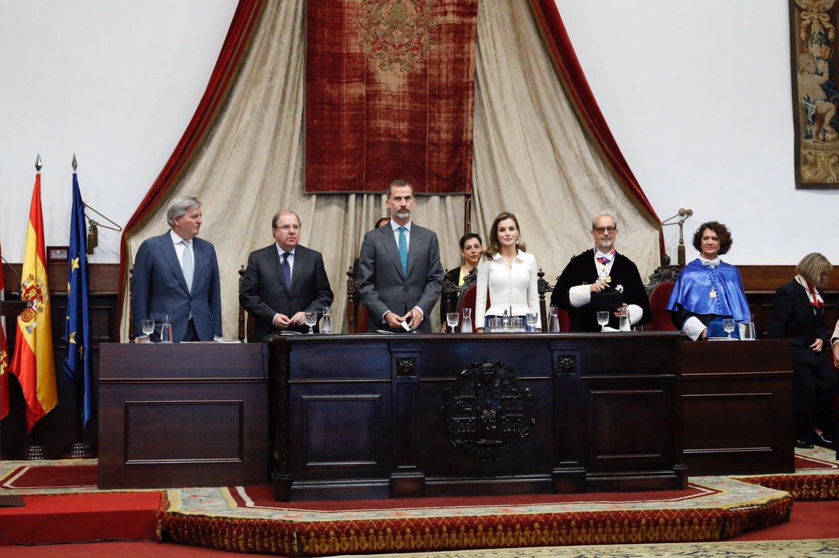 El rector de la Universidad de Salamanca anima a aprovechar el VIII Centenario para afrontar los grandes cambios del modelo universitario español