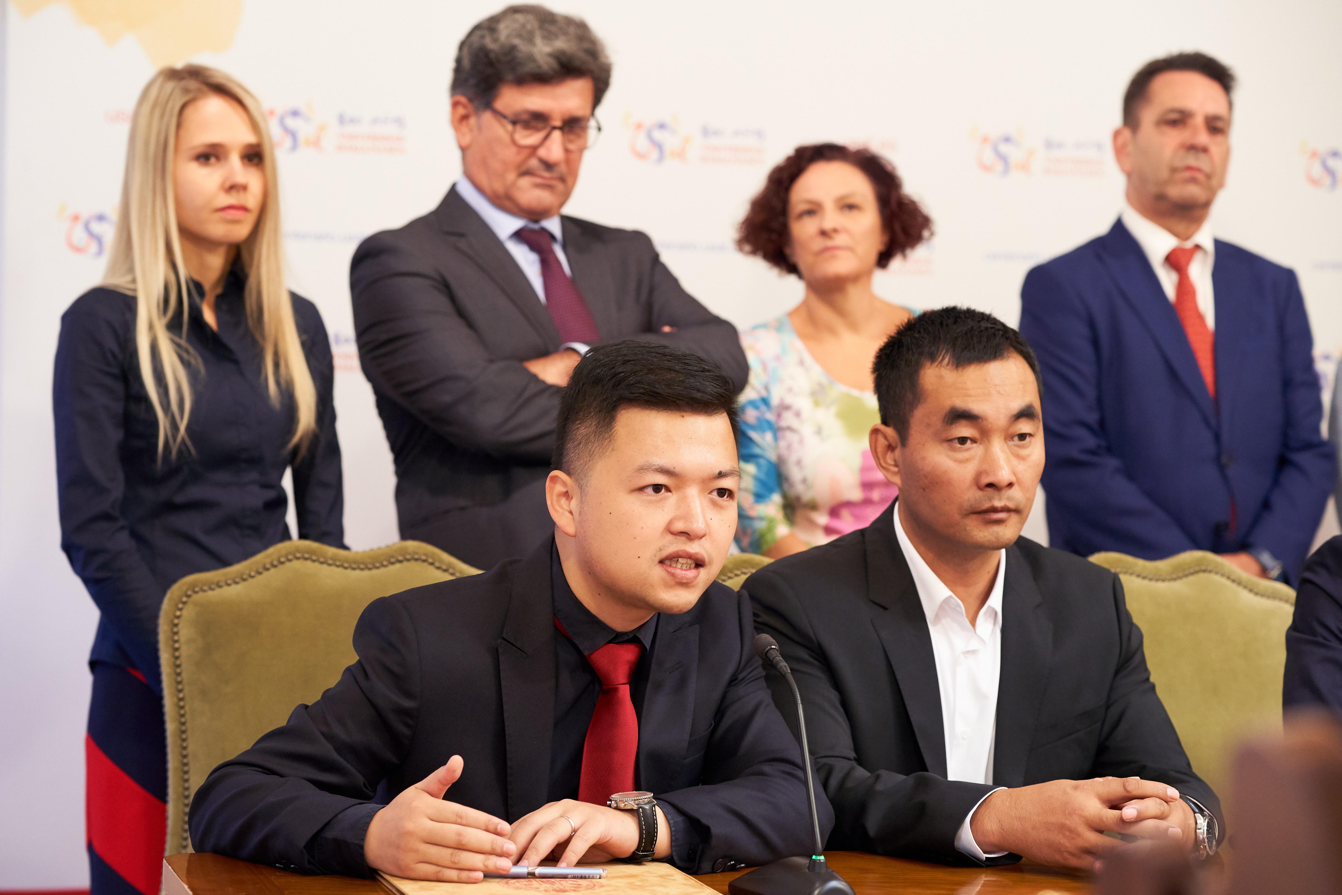 La Universidad de Salamanca abrirá en China 51 escuelas de Lengua Española en 10 años