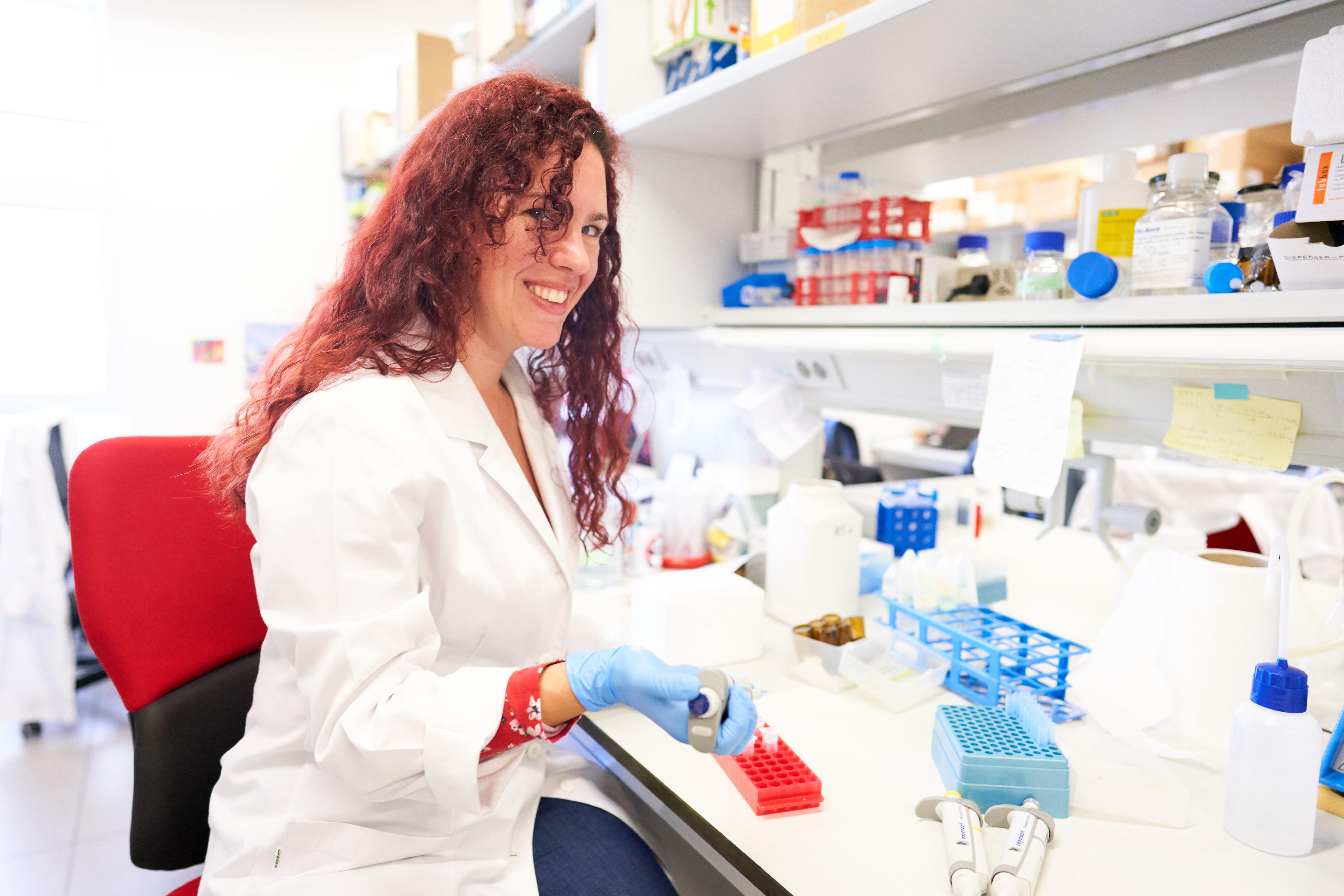 Una investigadora de la Universidad de Salamanca demuestra que la inhibición de una proteína frena el desarrollo de la fibrosis hepática