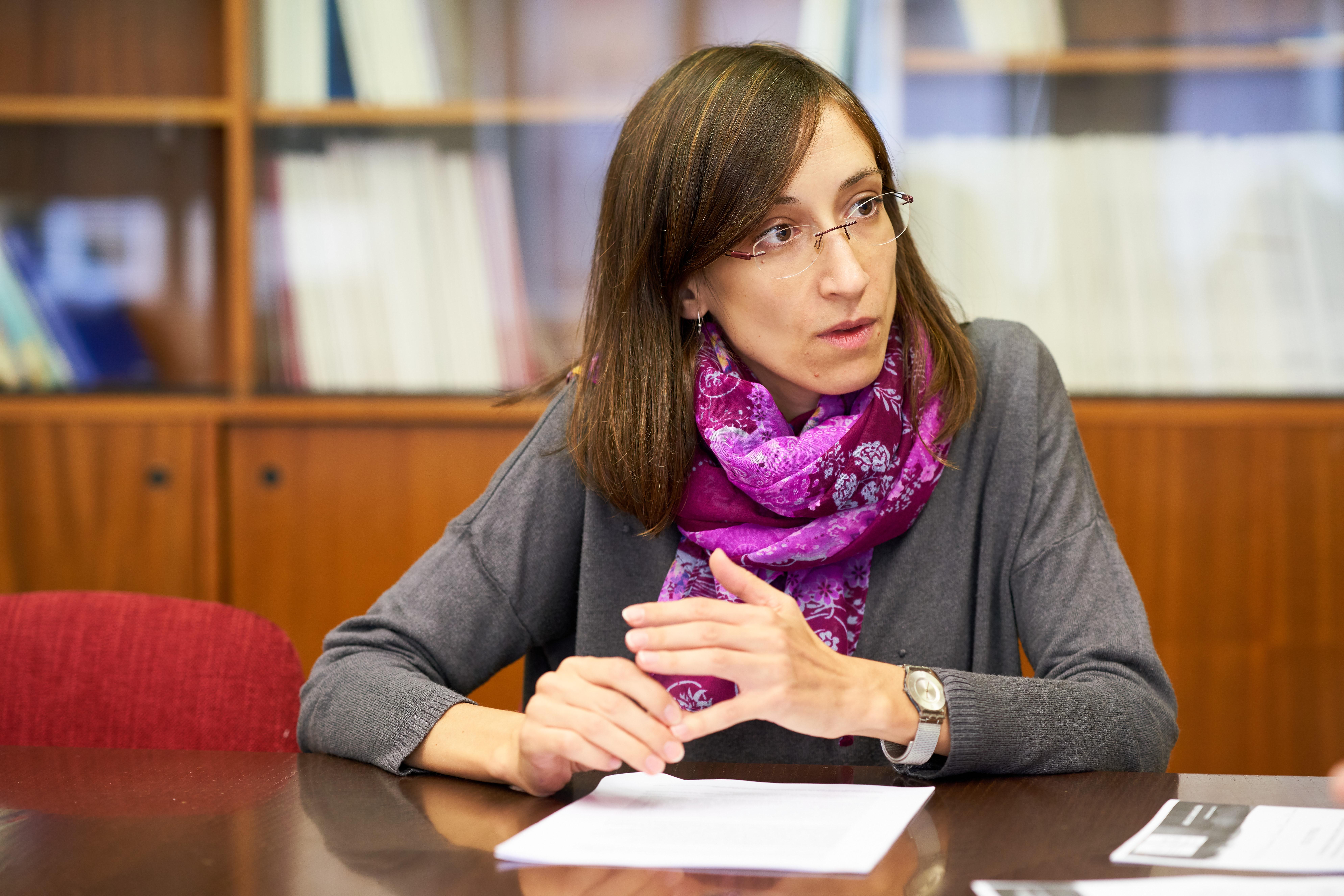Una profesora de la Universidad de Salamanca lidera un estudio mundial sobre adicciones mediante el análisis de aguas residuales en 120 ciudades