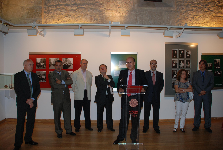 """Inauguración de la exposición """"Guzmán Gombáu fotografía el VII Centenario de la Universidad de Salamanca (1953-1954)"""""""